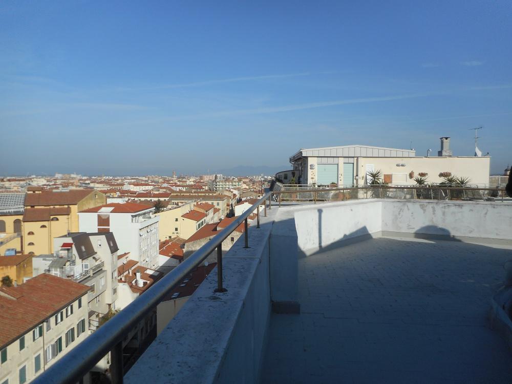 terrazza abitabile di Attico zona centro con tre terrazze abitabile in vendita a Livorno