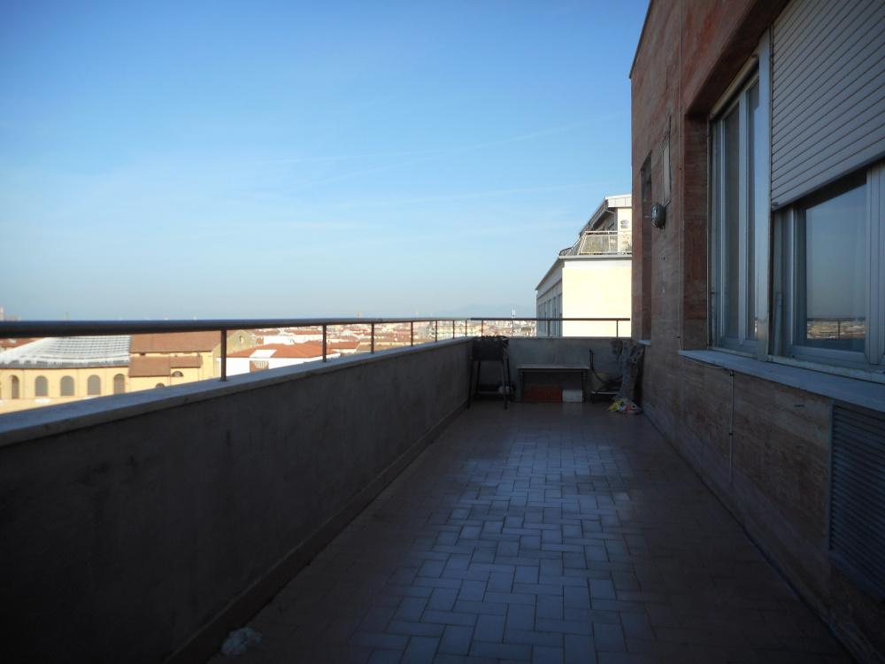 Attico zona centro con tre terrazze abitabile in vendita a Livorno