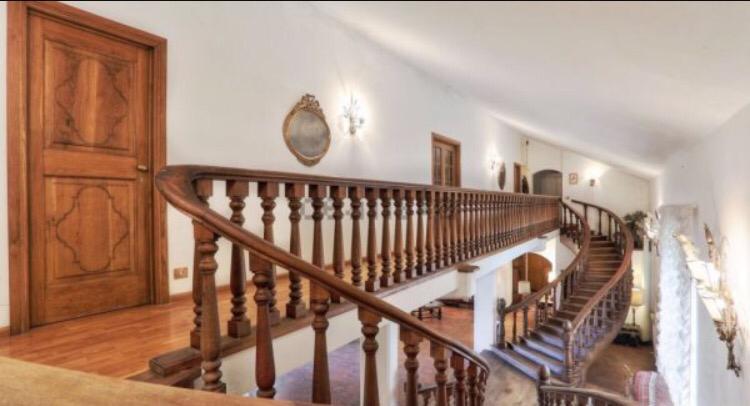 dettaglio scala Villa libera su quattro lati con Parco Privato e vista Mare in vendita a Valle Benedetta